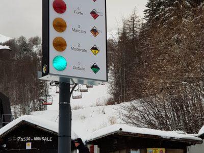 Pannello allerta valanghe Val di Luce
